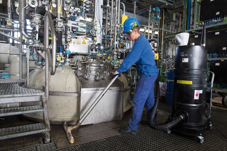 Ruwac Industriesauger mit Drehstromantrieb DS1 für GasEx-Bereich beim Chemiepark Evonik in Marl