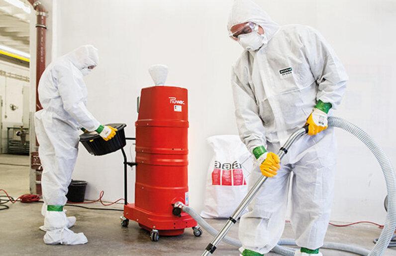 Ruwac Industriesauger mit Drehstromantrieb DS1750 saugt Asbeststäube ab