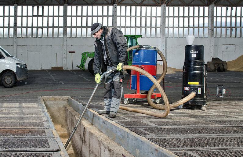 Ruwac Industriesauger mit Drehstromantrieb DS1750 für den GasEx-Bereich in der Landwirtschaft