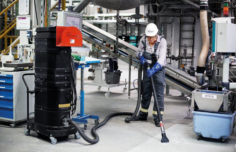 Ruwac Industriesauger DS1222 Leisesauger im Evonik Chemiepark in Marl.