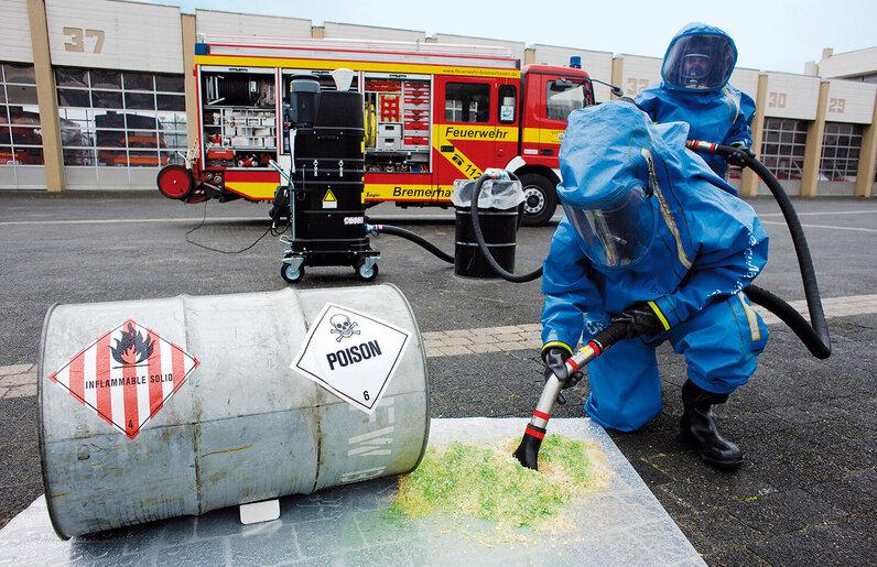 Ruwac Industriesauger mit Drehstromantrieb DS1400 für den GasEx-Bereich saugt Giftstoffe auf